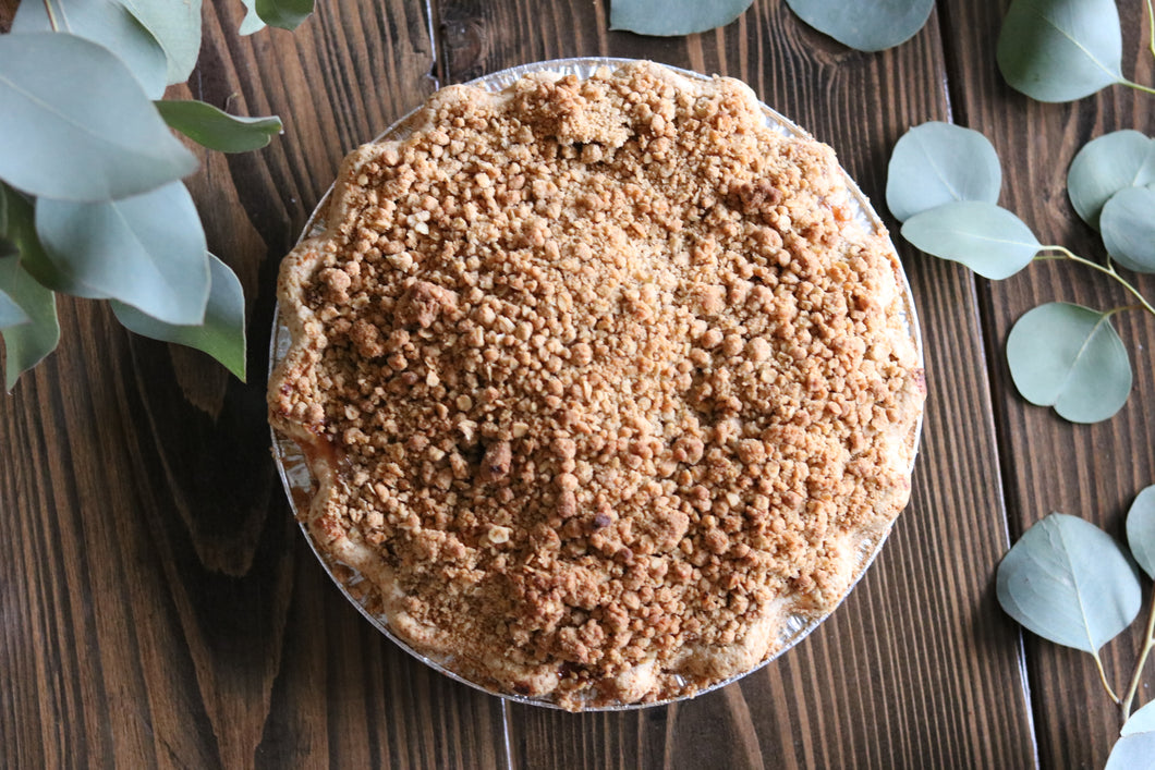 Apple Pie with Cardamom Crumble