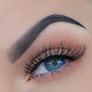 Wispy, natural eyelash with an invisible band