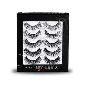 Natural, wispy eyelashes with a clear, invisible band