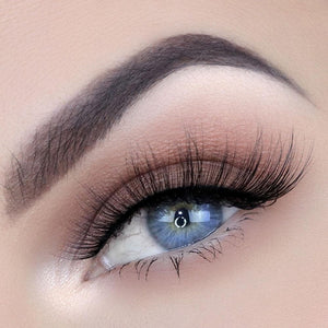 Wispy, natural silk eyelash with a thin, flexible band