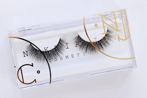 Natural silk eyelash with thin, flexible band