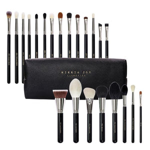 THE MASTER BRUSH SET