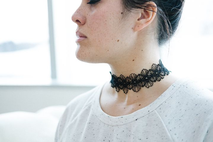 Let the Choker Make You More Fashionable