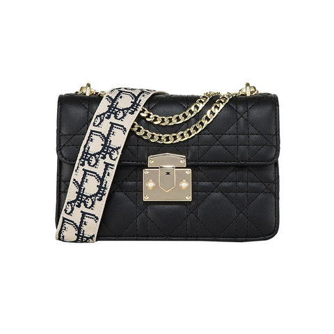 Women's chain shoulder bag with strap
