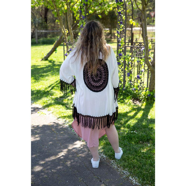Short Dreamcatcher Kimonos Kimono Bohemian Inspire White and Black