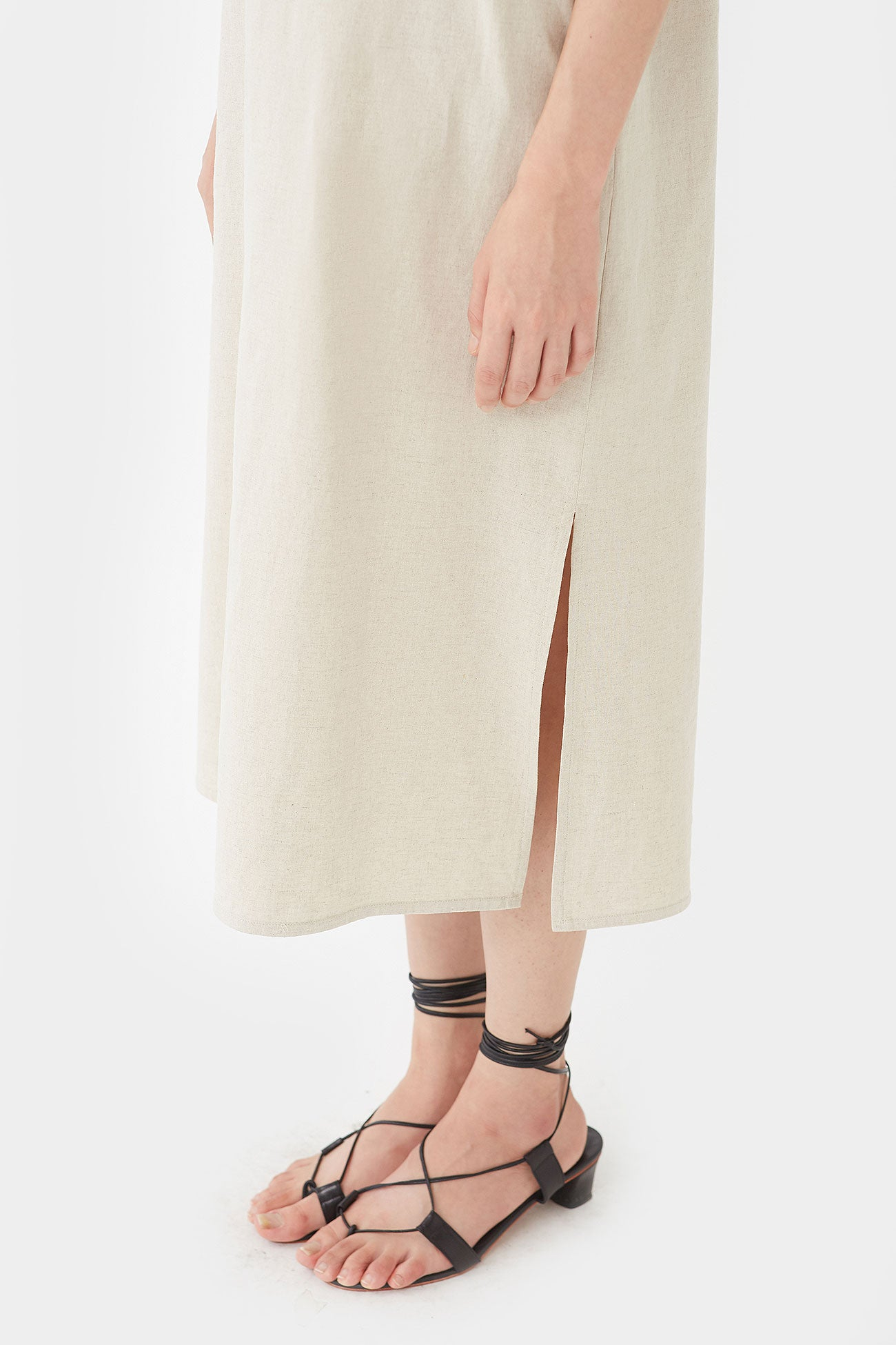 NATURAL NIKKI NECK SHIRRING LINEN DRESS