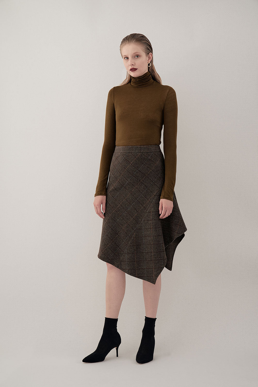 OLIVE NOMA LIGHT TURTLENECK