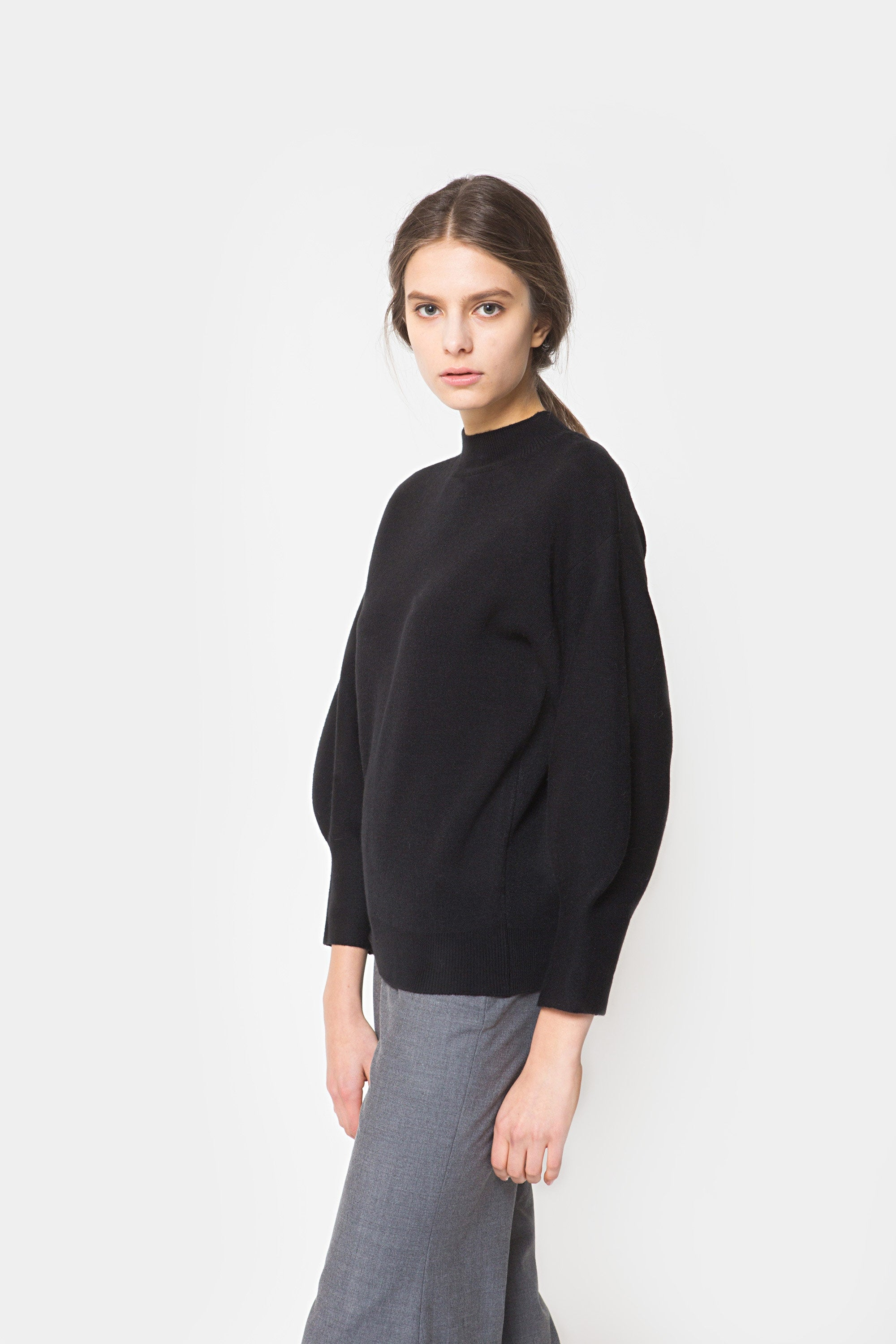 BLACK SADA BALLOON SWEATER