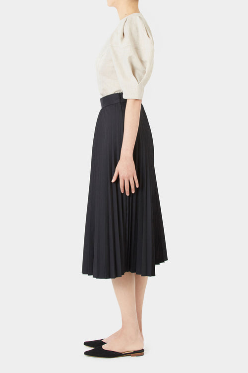 BLACK LILY PLEATED SKIRT