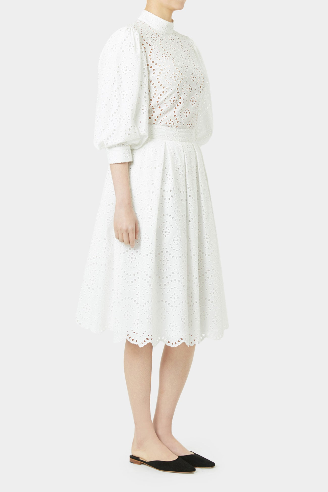 WHITE PAULA LACE SKIRT