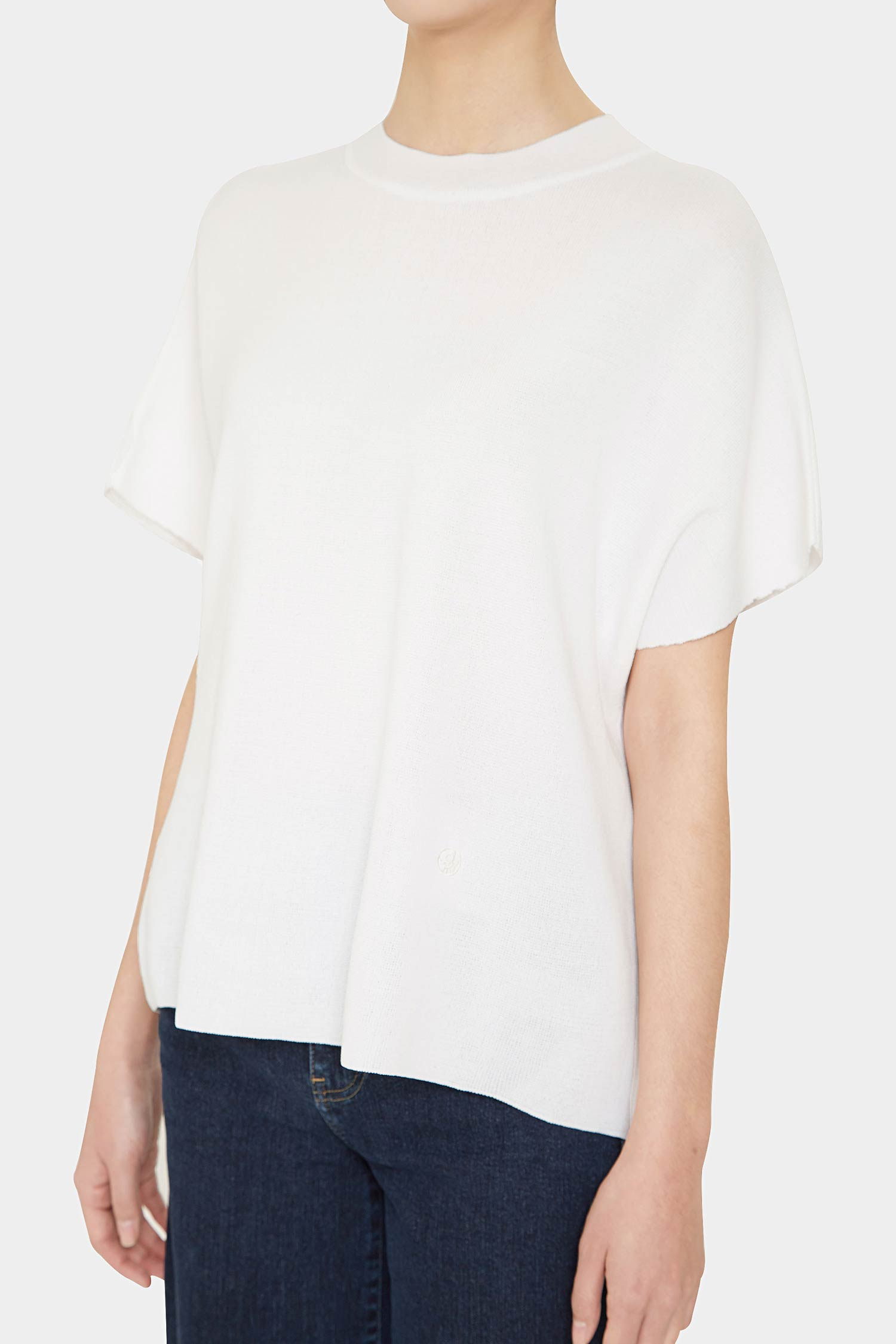 WHITE ANI PERFECT HIGH NECK TOP