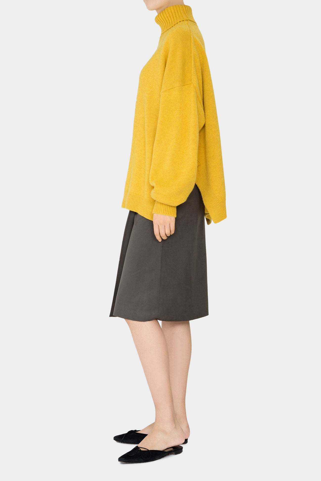 CANARY MOLLY OVERSIZED TURTLENECK