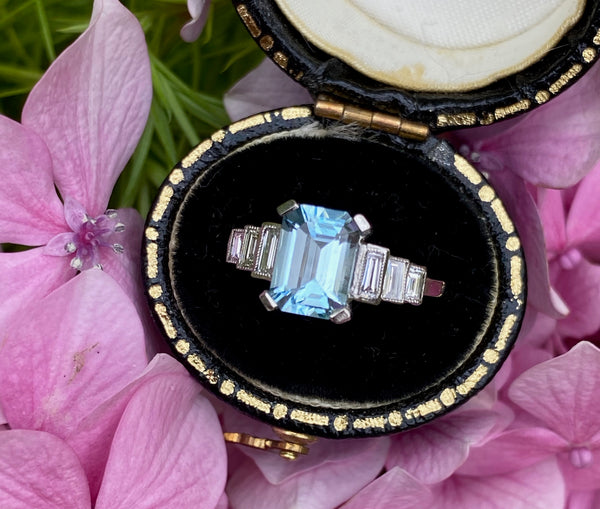 Art Deco Aquamarine and DIamond Platinum Ring 0.30ct + 1.40ct Aquamarine