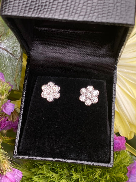 18ct White Gold Diamond Cluster Earrings 1ct