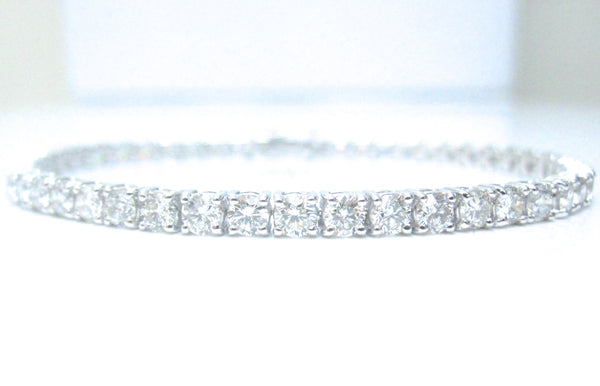 18ct White Gold 5.0ct Brilliant Cut Diamond Line Tennis Bracelet
