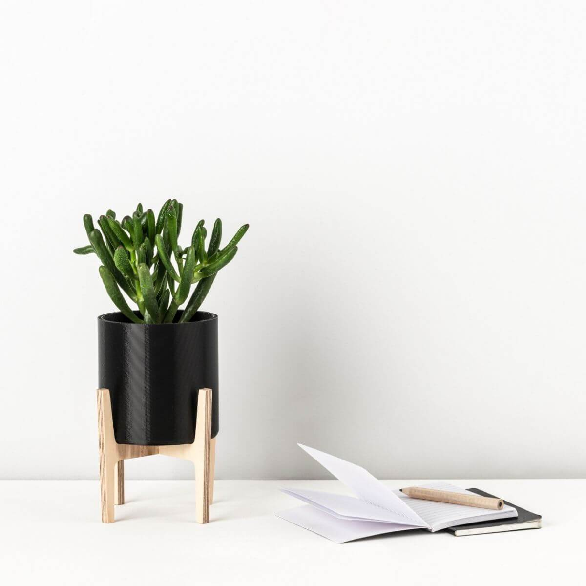 Mini planter on a stand - Scandiscapes