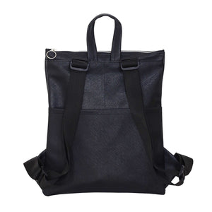 Zendigi's Lucy bags are hand made backpacks from high quality faux leather. urban design 100% vegan. made in Tel Aviv תיקי גב עבודת יד מיוצר בתל אביב עיצוב אורבאני טבעוני