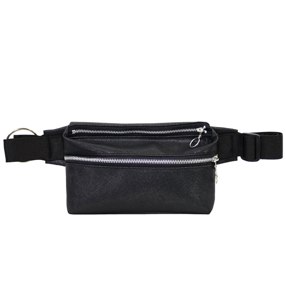 Zendigi. Unisex hand made Zipplebag urban design 100% vegan. A girl wearing Classic Black Zipplebag in Tel Aviv