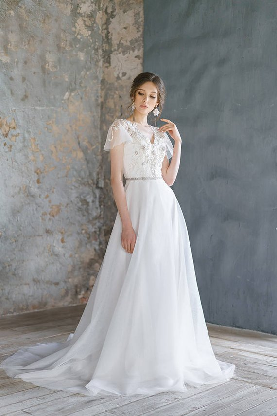 Embroidery Lace Wedding Dress Low Sexy Embroidery Back Comfortable Corset Wedding Gown Ethereal Tulle Bridal Gown Short Sleeves - Ms Virgin Hair