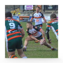 Hunslet (H) Sam Hallas action shot