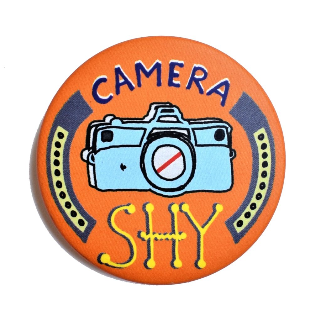 Camera shy | Badge+Magnet