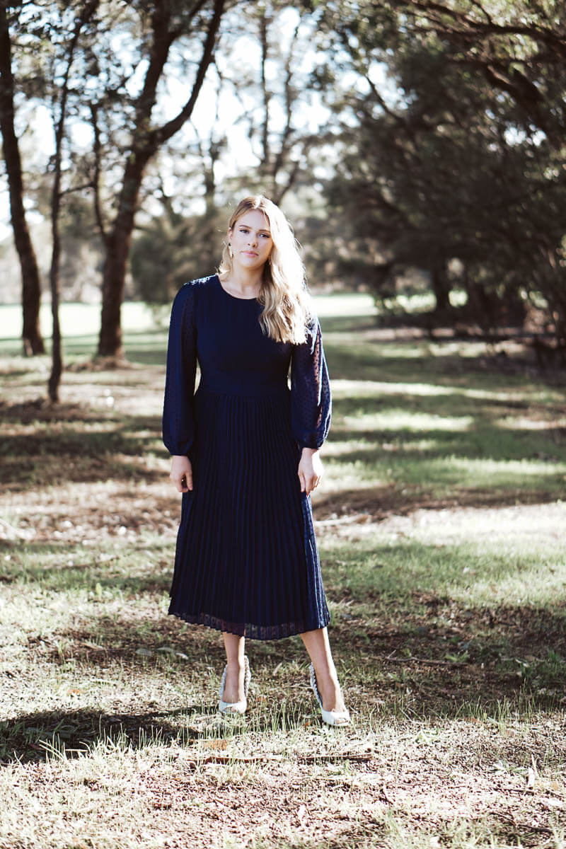 Meghan Pleated MIDI - Navy