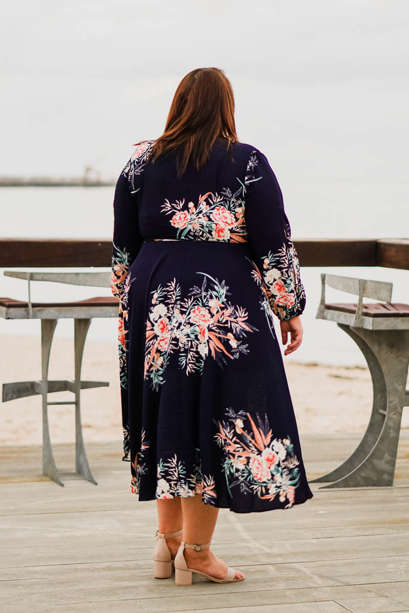 Winter Ray Floral Wrap - Navy