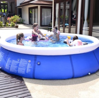 Inflatable swimming pool for all family