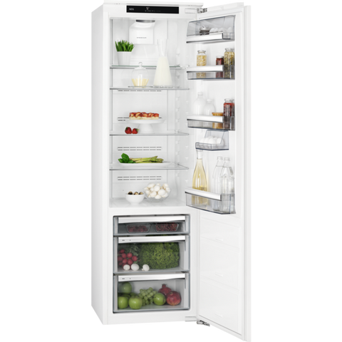 AEG SKS8182VZC Built-in Upright Refrigerator-Appliance People