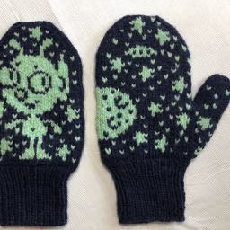 Blip Mittens by Barbara Gregory
