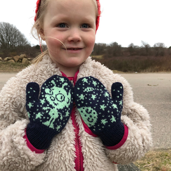 Blip Mittens (Children's size) by Barbara Gregory