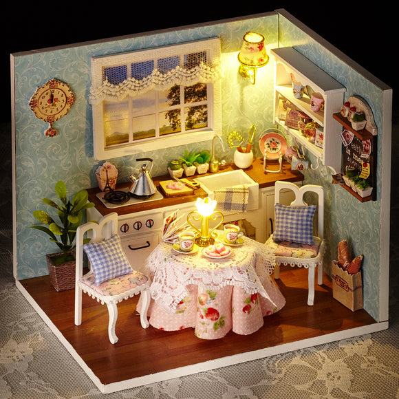 Small DollHouse Miniature Handmade Assemble House SMALLER than it appears 15.1cm*11.6cm*13.1cm