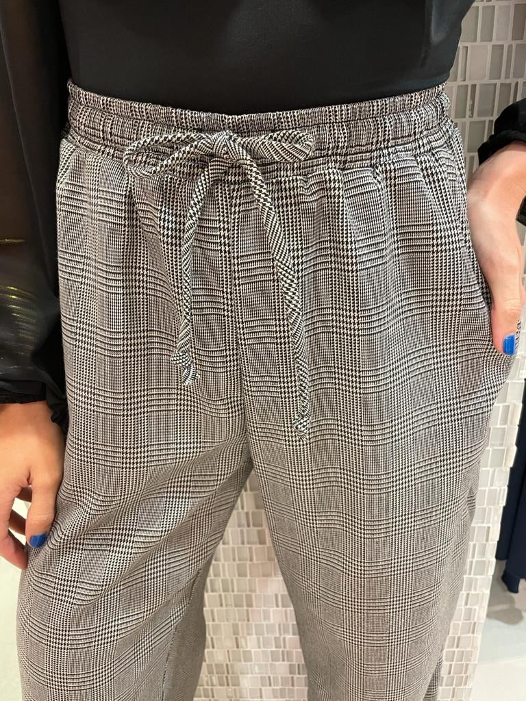 Amicis Taiz Plaid Pants