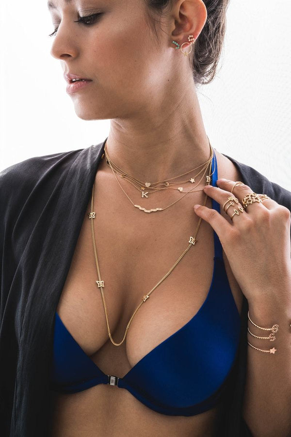 How to Style Your Jewelry for the Holidays