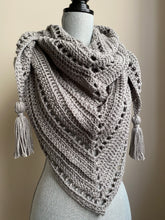 Triangle scarf/shawl with tassels