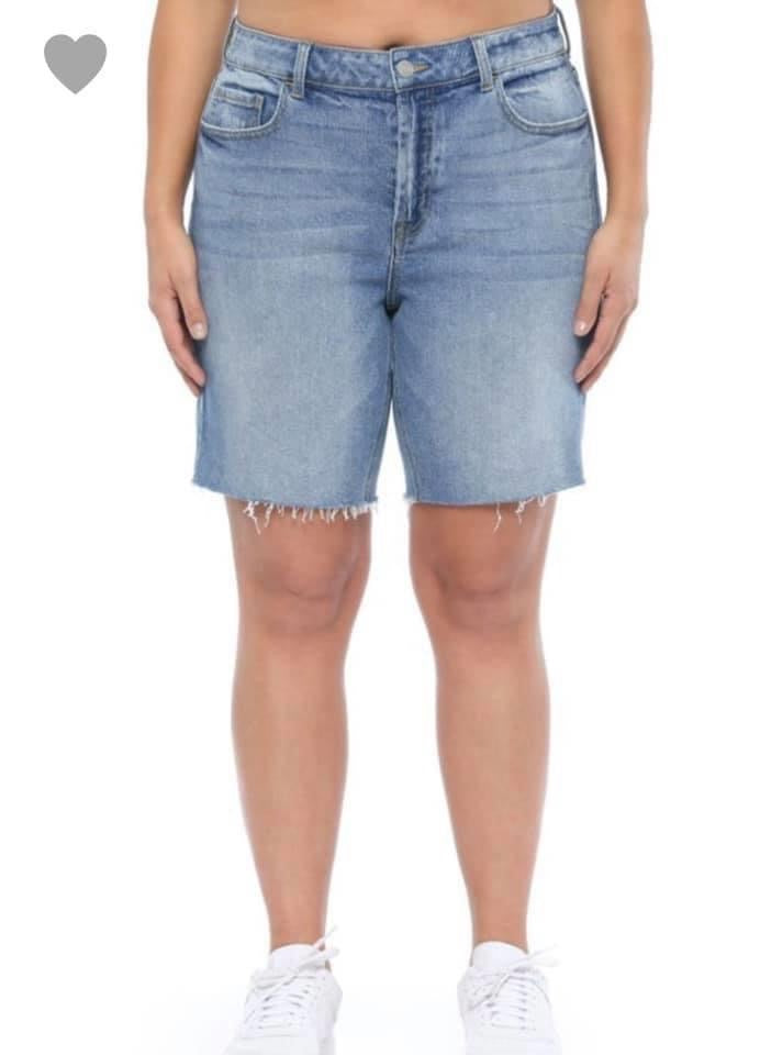 #037 Queen Bermuda Shorts