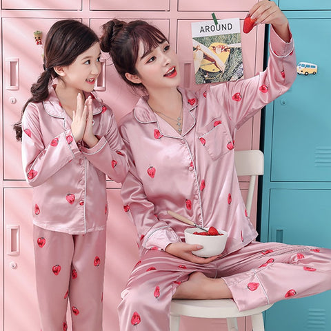 Autum Spring Pajamas Suit for Mother Kids Family Matching Outfits Mother and Daughter Son Women Clothing Child Mommy  Outfits