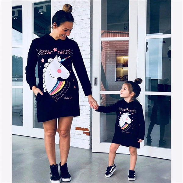 Cartoon Print Mother Daughter Dress Long-Sleeved Mommy and Me Hooded Sweatshirt Kids Dresses for Girls Family Matching Clothes