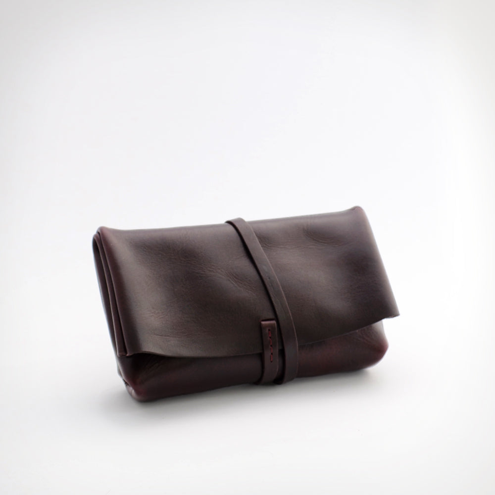 FOLDOVER POUCH IN PORT BROWN