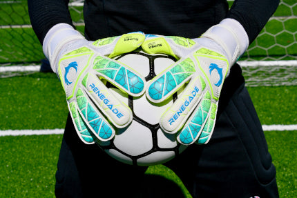 Goalkeeper holding ball with 2 hands using Vortex Wraith