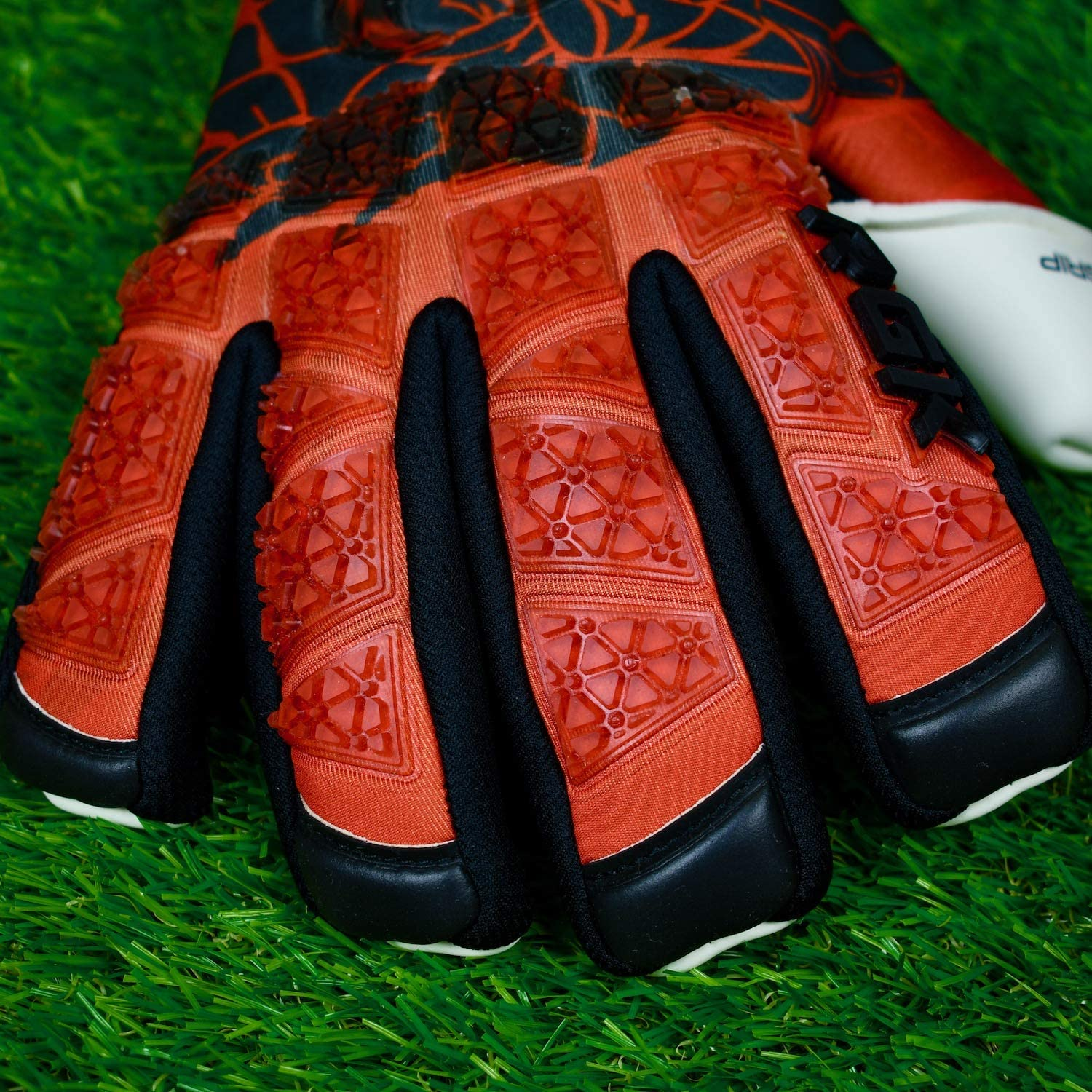 Renegade GK Limited Edition Rogue Soccer Goalie Gloves with Microbe-Guard Sizes 6-11, Level 4+ Pro-Tek Fingersaves /& 4+3MM Giga Grip Based in The U.S.A. Only 1500 Made for Each Style