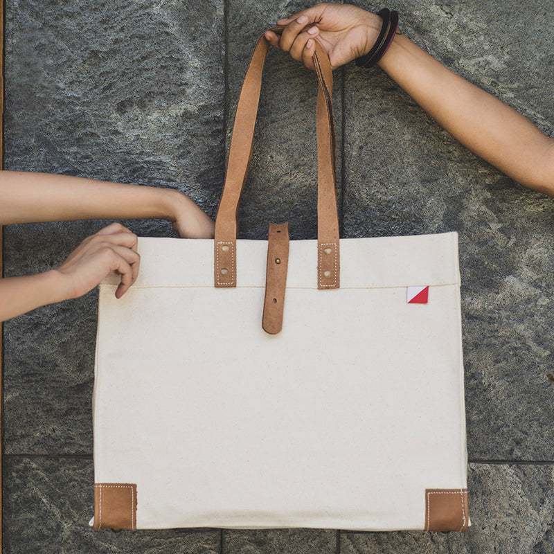 Why Canvas Tote Bags Are Your Best Fashion Accessory