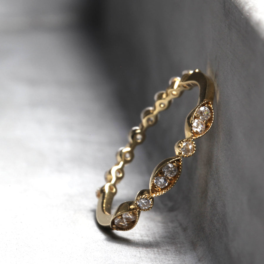 AVA RING - YELLOW GOLD WITH WHITE DIAMONDS