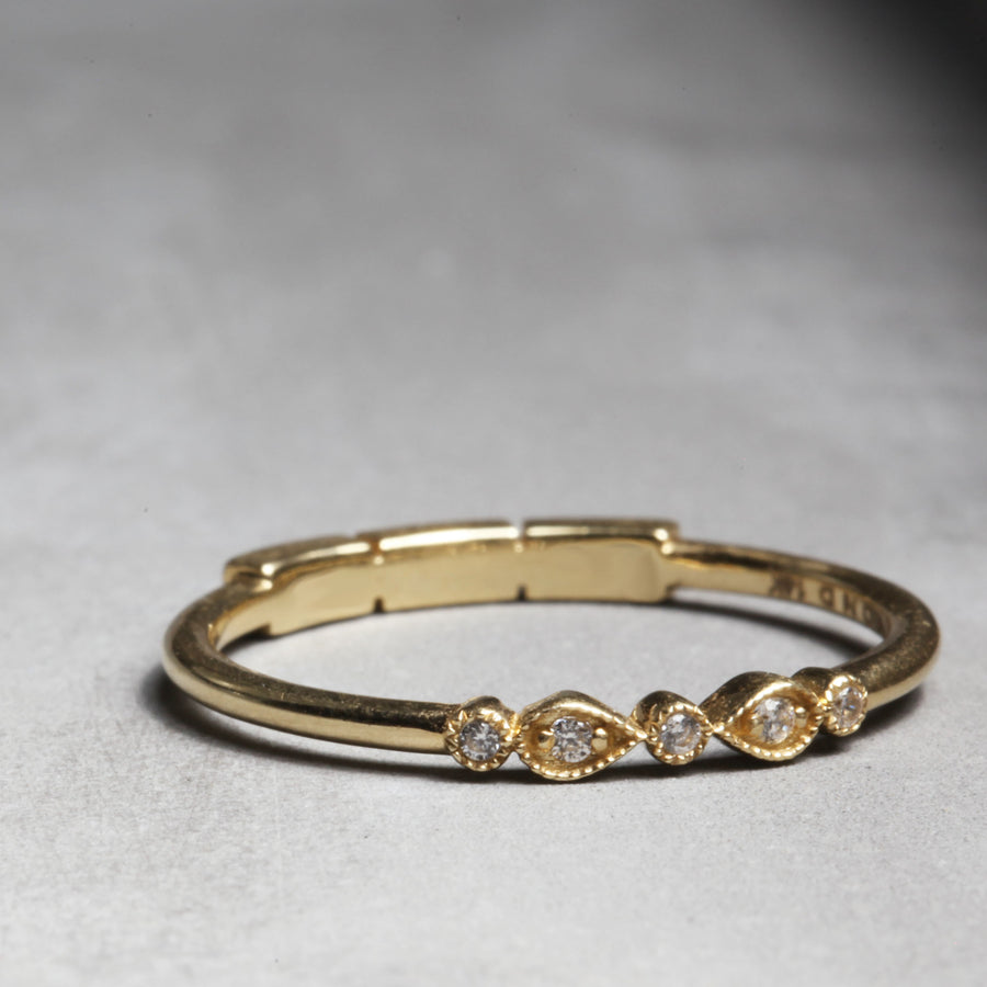 CELINE RING - YELLOW GOLD WITH WHITE DIAMONDS