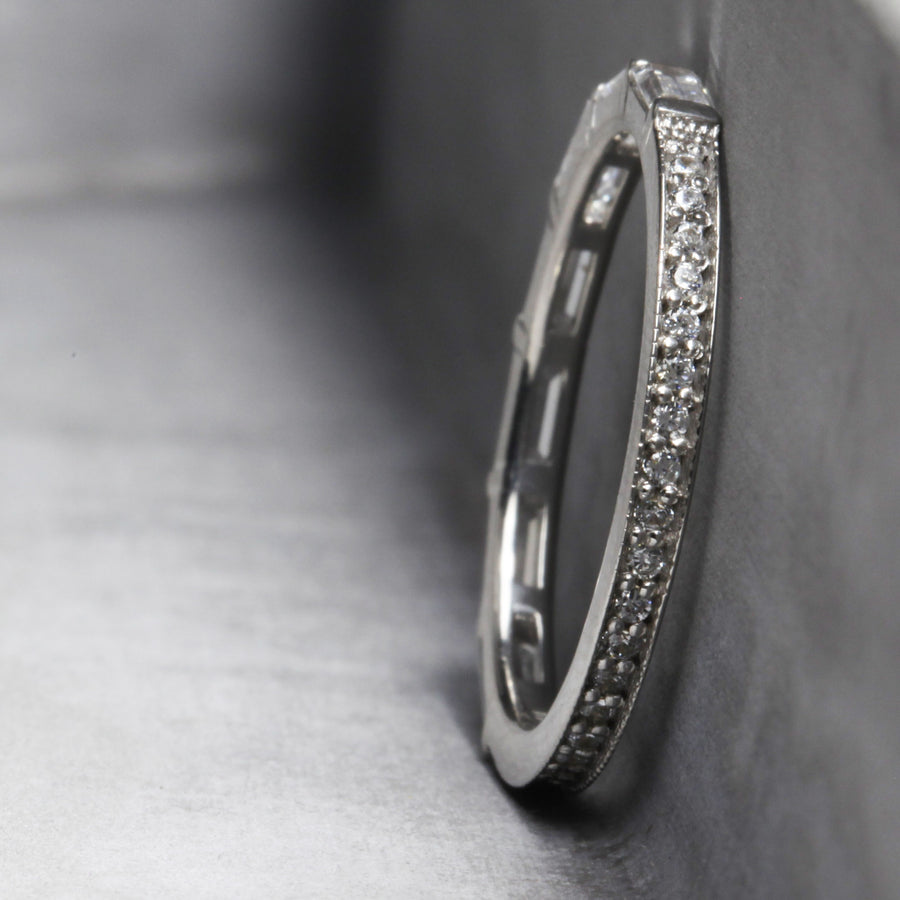 ELIZABETH RING - WHITE GOLD WITH WHITE DIAMONDS