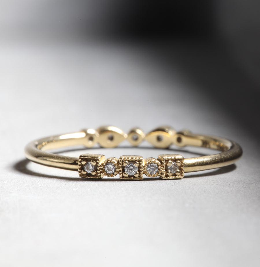 MARLO RING - YELLOW GOLD WITH WHITE DIAMONDS
