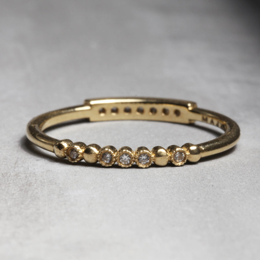 EMMA RING - YELLOW GOLD WITH WHITE DIAMONDS