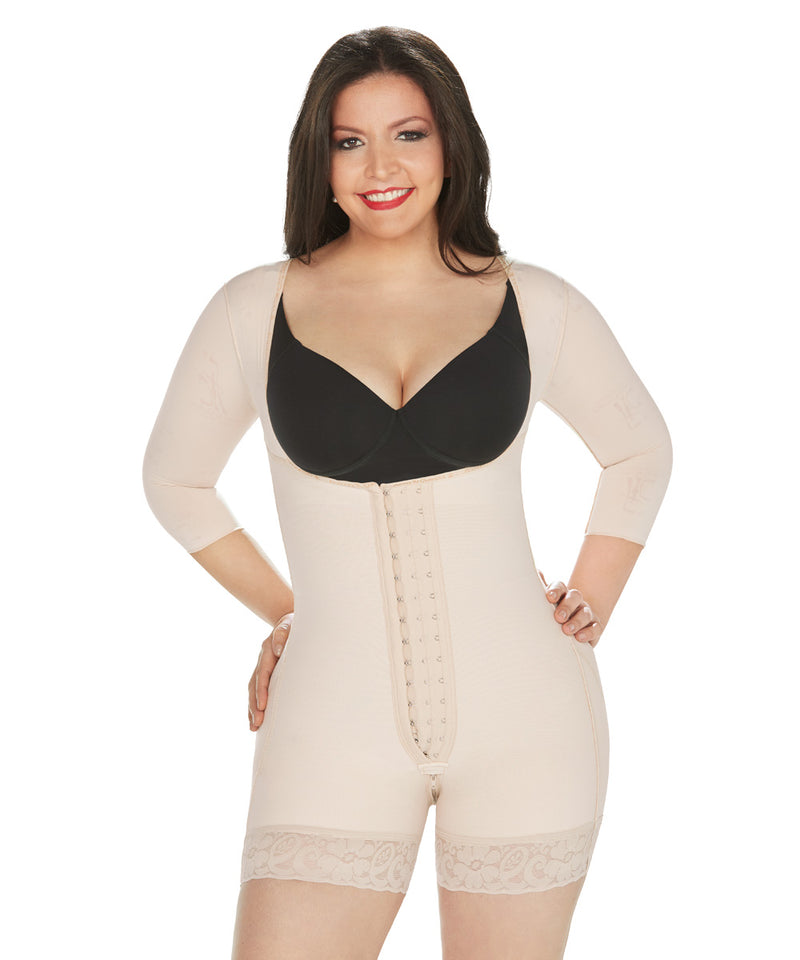 Shapewear Short Bodysuit, girdle with Central Hooks and sleeves ( Ref. O-015 )