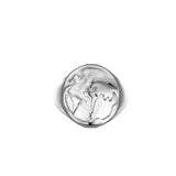 The World is yours ring - Silver Signet Twistedpendant