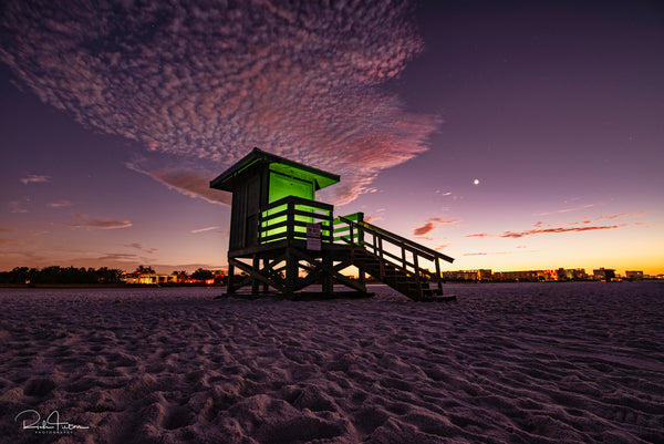 Aluminum Photo panel- Green lifeguard shack on Siesta Key lit up